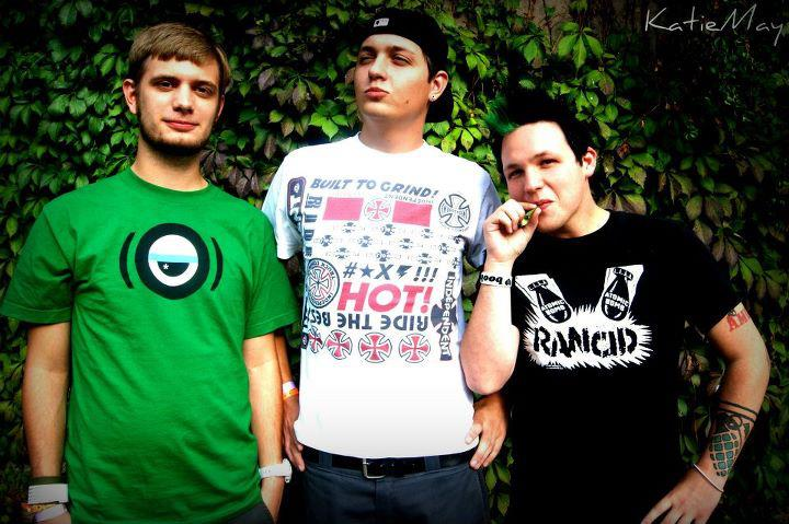 Interview With Pop Punk Band Amuse-2011-12-13 03:23:58