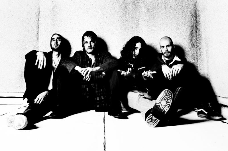 Los Angeles band Symphony crosses Jefferson Airplane with Black Sabbath-2012-01-13 06:34:01