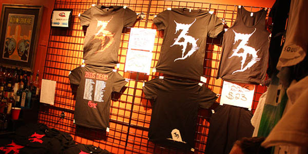 Alternate Ways To Pay – Maximizing Profits At Your Merch Booth